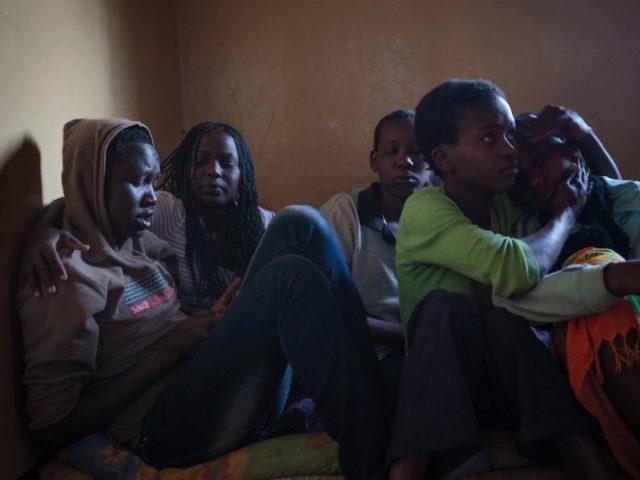 بیش از نیمی از کودکان آواره جهان محروم از مدرسهاند